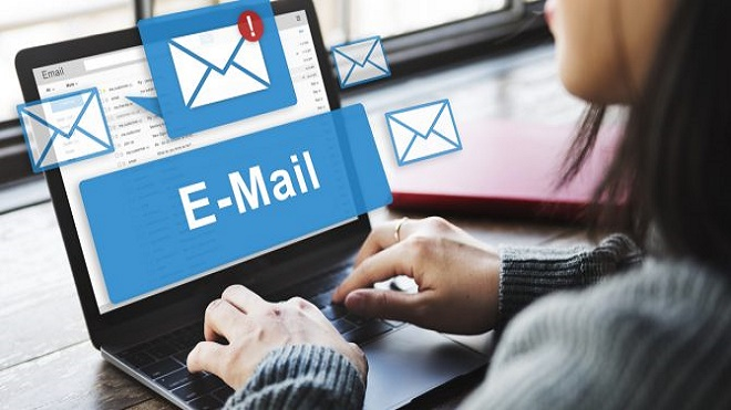 giao tiếp email